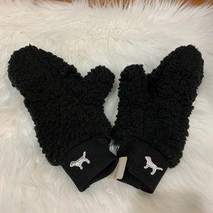 PINK Victoria's Secret mittens NEW